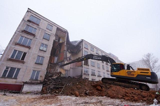 Массовый снос хрущевок в Москве и переселение семей